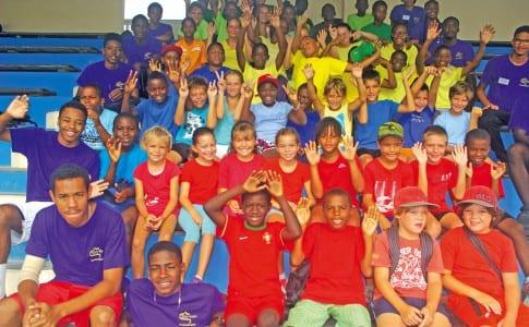 31-07-15-Les-jeunes-sportifs-heureux-de-participer-à-l'opération-Ticket-Sports