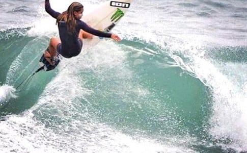 08-09-15-Une-nouvelle-saison-de-surf-débute-!