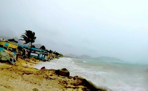 l'ouragan-gonzalo-deferle-à-la-BO