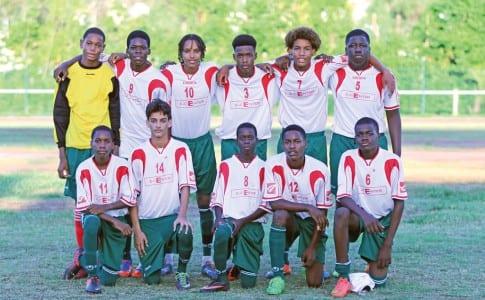 13-11-15-Les-U-17-du-Junior-Stars-ont-remporté-brillamment-la-Coupe-de-Saint-Martin