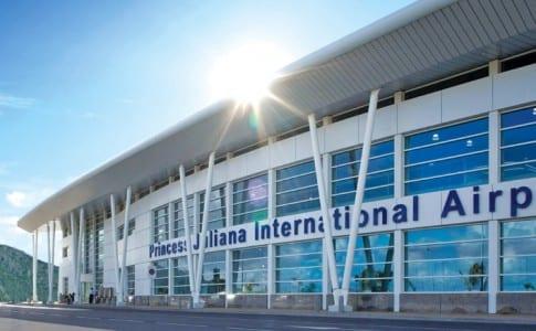 17-11-15-st-maarten-airport
