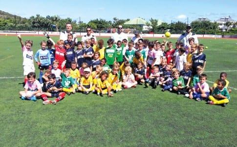 23-11-15-Les-équipes-de-Saint-Martin-et-Saint-Barth,-réunies-lors-du-tournoi-jeunes