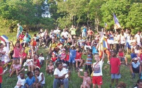 30-11-15-Les-enfants-ont-entonné,-vendredi,-à-Bellevue,-La--Marseillaise