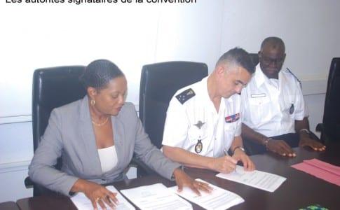 11-12-15-Les-autorités-signataires-de-la-convention