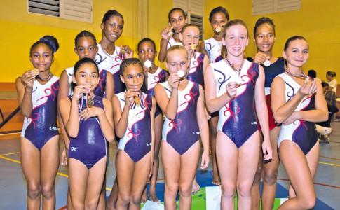 01-04-16-Quinze-médailles-pour-le-club-de-gym-de-SXM-!