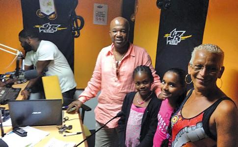 21-04-16-Les-élèves-en-direct-du-studio-de-Youth-Radio-!