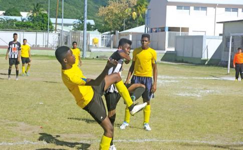 16-06-16-Pendant-les-travaux,-le-terrain-de-football-restera-ouvert-au-public