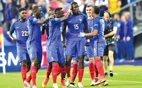 04-07-16-Belle-victoire-des-Bleus-face-à-l'Islande
