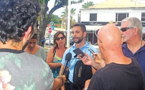 15-07-16-Face-à-l'actualité-brûlante,-le-Capitaine,-Emmanuel-Maignan-est-sollicité-par-de-nombreux-médias-de-l'île-!