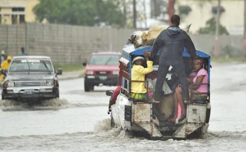 05-10-16-haiti-ouragan-matthew_sn635
