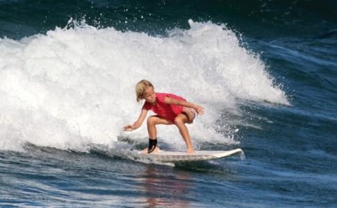 24-10-16-kid-surf-ecole
