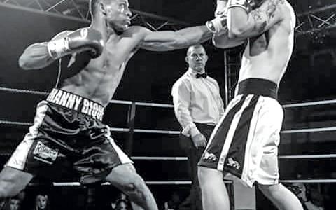 09-01-17-a-gauche-le-boxeur-manny-bique-en-preparation-a-saint-martin