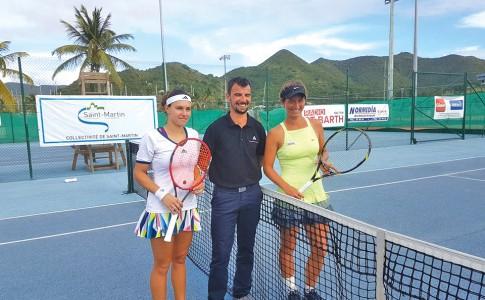 30-01-17-Estelle-Cascino-(à-gauche)-n'a-rien-pu-faire--contre-sa-compatriote,-Priscilla-Heise-(à-droite),-vainqueur-du-tournoi-!