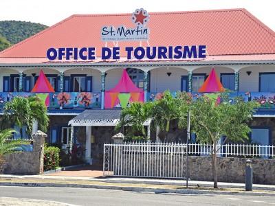 21-02-17-L'Office-de-tourisme-aux-couleurs-du-Carnaval