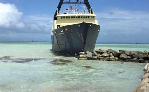22-03-17-yacht-hop