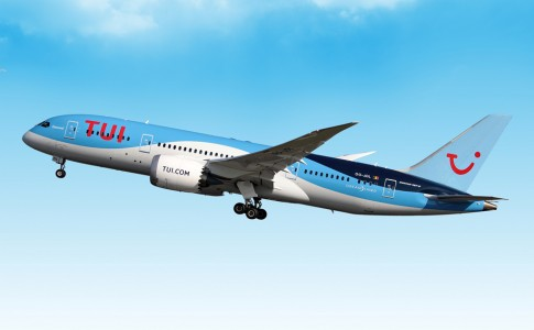 22-05-17-TUI_Dreamliner