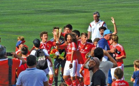 12-06-17-Le-Benfica-de-Lisbonne,-grand-vainqueur-du-tournoi-!