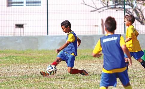 23-06-17-Le-football-en-fête-aujourd'hui-au-stade-Jean-Louis-Vanterpool-!