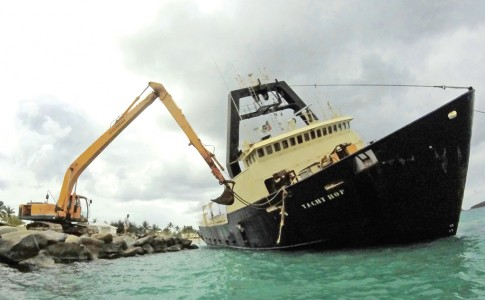 27-06-17-yacht-hope-2