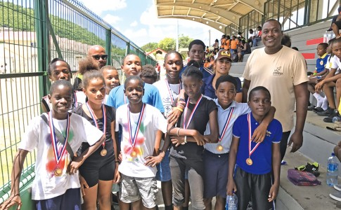 29-06-17-Jean-Luc-Elice-entouré-de-nombreux-médaillés-!