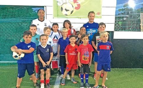 07-07-17-La-venue-de-l'ancienne-star-du-football-français,-Patrice-Loko-a-enchanté-les-jeunes-saint-martinois-!
