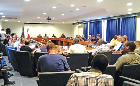 29-09-17-Le-RSMA-à-la-rencontre-des-Socioprofessionnels-de-Saint-Martin