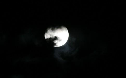 moon-233377_960_720