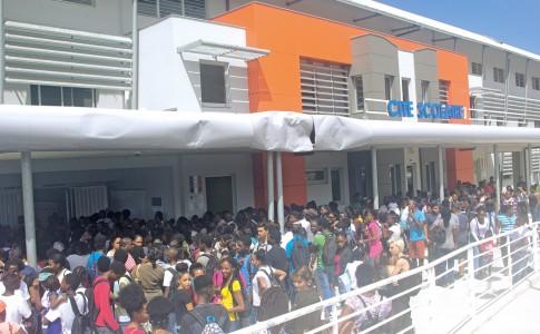 04-10-17-Beaucoup-d'élèves-lundi-pour-la-rentrée-à-la-Cité-Scolaire