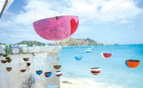 24-11-17-Les-festivaliers-peuvent-décorer-une-mangeoire-à-oiseaux-pour-la-ramener-à-la-maison.