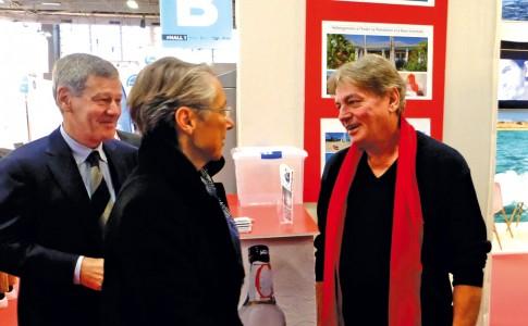 05-12-17-Visite-de-la-ministre-des-Transports-sur-le-stand-de-Métimer-«-SXM-SmileAgain-»