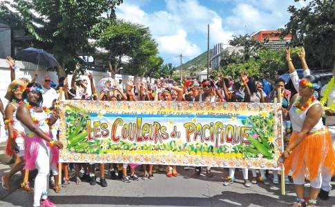 09-12-18-L'école-Emile-Choisy-à-l'heure-des-couleurs-du-Pacifique-!